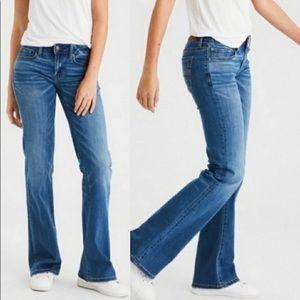 AEO boyfriend 77 bootcut blue jeans size 6